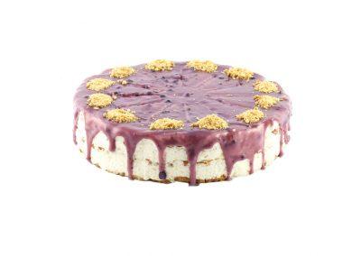 Торта с маскарпоне, боровинки и Мисо